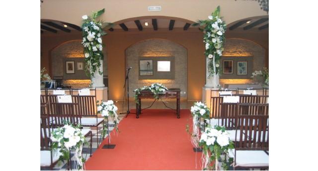 Decoracion bodas civiles allium floristas for Adornos para boda civil